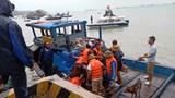 Cứu sống 10 thuyền viên tàu chở xi  măng gặp nạn trên biển