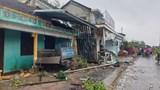 Quảng Nam: Xe container mất lái tông sập 7 ngôi nhà