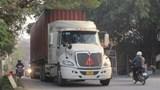 Xe quá tải tung hoành trên tỉnh lộ 421B qua huyện Quốc Oai