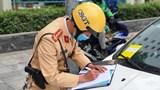 Hà Nội dán thông báo phạt nguội xe ô tô dừng đỗ sai quy định: Chặn cơ chế xin - cho