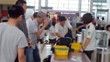 Tóm gọn 2 hành khách liều lĩnh trộm ba lô ở sân bay Nội Bài
