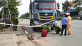 Tai nạn giao thông mới nhất hôm nay 20/12: Người đàn ông đi xe máy bị cuốn vào gầm xe tải, tử vong thương tâm