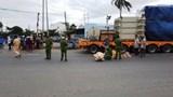 Nữ sinh lớp 10 tử vong thương tâm dưới bánh xe container
