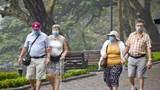 Hà Nội: Yêu cầu bắt buộc đeo khẩu trang tại phố đi bộ, quảng trường