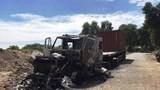 Xe container cháy rụi trong đêm, tài xế may mắn chạy thoát thân
