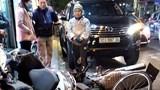 """Hà Nội: Xe Fortuner đâm liên hoàn trên phố, nhiều xe máy bị """"hạ gục"""""""