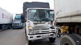 Tai nạn giao thông mới nhất hôm nay 15/1: Xe tải biến dạng sau va chạm, 2 người thoát chết trong cabin