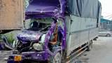 Hai ô tô cùng chiều đâm nhau trên Quốc lộ 1, ít nhất một người tử vong