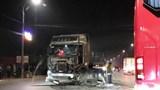 Va chạm liên hoàn giữa 2 xe container và xe 4 chỗ, tài xế may mắn thoát nạn
