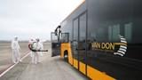 Lấy mẫu xét nghiệm Covid-19 gần 300 nhân viên sân bay Vân Đồn