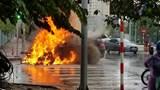 Hà Nội: BMW X6 bốc cháy khi đang đi trên đường