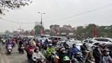 Hà Nội: Đường phố nhộn nhịp trở lại, cửa ngõ ùn ứ nhẹ