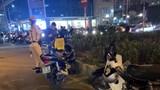 Hà Nội: Rút dao đâm người đi đường sau va chạm giao thông