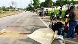Quay lại lấy mũ bảo hiểm, người phụ nữ bị xe tải tông tử vong