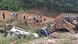[Clip] Kinh hoàng xe container đâm liên hoàn khi đổ đèo, 5 xe ôtô rơi xuống vực