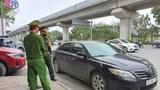 Dừng đỗ xe giữa ngã tư, tài xế nghi say rượu hành hung cảnh sát giao thông