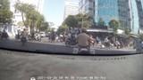 Cảnh sát giao thông mở đường cho xe chở sản phụ đến bệnh viện an toàn