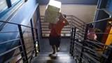 Yêu cầu lắp thêm thang máy ở nhà giữ xe Sân bay Tân Sơn Nhất