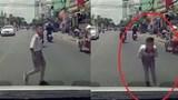 [Clip] Hành động đẹp của một cậu bé khi đi sang đường