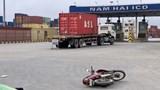 Va chạm với xe container, tài xế xe máy tử vong