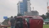 Hải Phòng: Xe ô tô lật nghiêng khiến 3 người bị thương