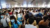 Tắc nghẽn ở sân bay Tân Sơn Nhất: Lỗi thuộc về các hãng hàng không?