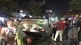 Tai nạn giao thông mới nhất hôm nay 26/4: Ô tô lật ngửa trong cơn mưa, nhiều người thoát chết