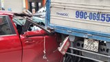 Hải Phòng: Ô tô con đâm đuôi xe tải, nhiều người bị thương