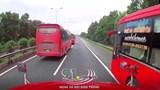 3 xe khách trên cao tốc Pháp Vân - Cầu Giẽ phóng nhanh, vượt ẩu
