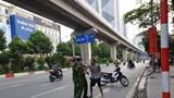 """Khống chế đối tượng nghi """"ngáo đá"""" chặn ô tô trấn tiền, tấn công cảnh sát ở Hà Đông"""