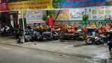 Tai nạn giao thông mới nhất hôm nay 23/5: Vợ chồng thoát chết khi ô tô lao thẳng vào quán nhậu