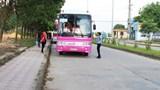 Bắc Giang: Xe đưa đón công nhân chỉ chở tối đa 50% số ghế được phép