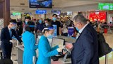 Sân bay Nội Bài thông tin việc hành khách tố dung dịch sát khuẩn toàn nước lã