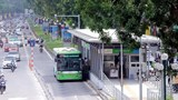 Hà Nội: Lần đầu tiên người dân đi xe buýt không cần thanh toán tiền mặt