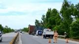 Tai nạn giao thông mới nhất hôm nay (8/7): Xe tải mất lái khi đổ đèo, phụ xe văng ra ngoài bị cán tử vong