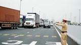 """Đâu là """"con đường máu"""" cho vận tải hàng hóa các tỉnh phía Nam?"""