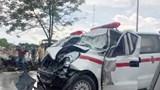 Tai nạn giao thông mới nhất hôm nay (20/7): Xe cấp cứu chở bệnh nhân tông đuôi xe tải, 4 người bị thương nặng
