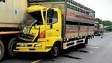 Tai nạn giao thông mới nhất hôm nay (26/7): Xe tải húc đuôi xe đầu kéo đang dừng khai báo y tế, phụ xe tử vong tại chỗ