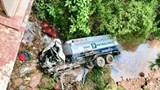 Tai nạn giao thông mới nhất hôm nay (17/8): Ô tô qua đập tràn bị nước cuốn trôi khiến một người tử vong thương tâm