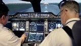 Phi công duy trì kỹ năng bay trong mùa dịch bằng cách nào?