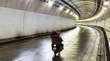 Mở hầm Hải Vân để người dân đi xe máy từ miền Nam về quê