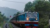 Di dời xong quả bom, đường sắt Bắc - Nam được thông tuyến trở lại