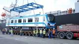 Thêm 2 đoàn tàu metro số 1 về đến TP Hồ Chí Minh