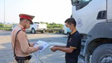 Bộ Công Thương đề nghị ưu tiên tiêm vaccine cho lao động vận tải và logistics