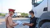 Hỗ trợ xét nghiệm lưu động cho tài xế chở hàng hóa ở Hà Nội, Hải Phòng