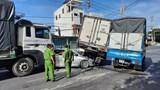 Tai nạn liên hoàn 5 ô tô hư hỏng nặng