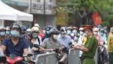 Huyện Thanh Trì: Siết chặt phòng chống dịch, yêu cầu người đi đường có thêm lịch làm việc