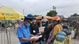 Hà Nội: Người dân lỉnh kỉnh quay trở lại Hà Nội sau giãn cách xã hội