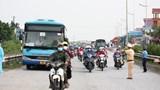 Hà Nội: Hướng dẫn hơn 1.233 người từ các tỉnh phía Nam di chuyển an toàn qua thành phố