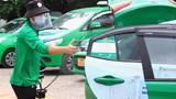 Hà Nội: Xe buýt, taxi sẵn sàng đón khách